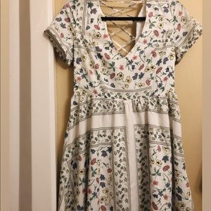 NEW/NEVER WORN Lulu's floral dress